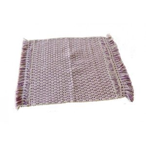 Purple-and-White-Table-Mat